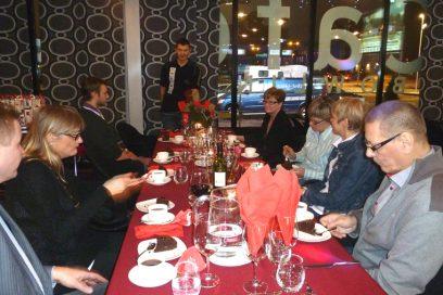 Robert tarjosi jouluruoan ja mitalikahvit Yhteistyökumppaneille 11.12.2013